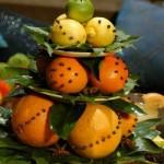ukrashenie-iz-fruktov-na-stol